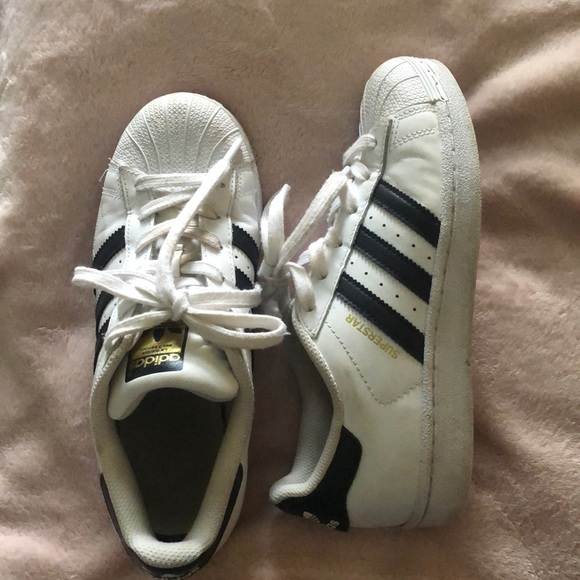 size 5 adidas superstar